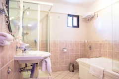 oceanbay_premium_suite_bathroom